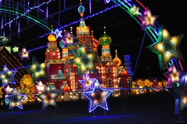 stars-at-magical-winter-lights-la-marque