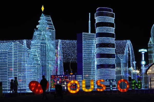 we-love-houston-at-magical-winter-lights