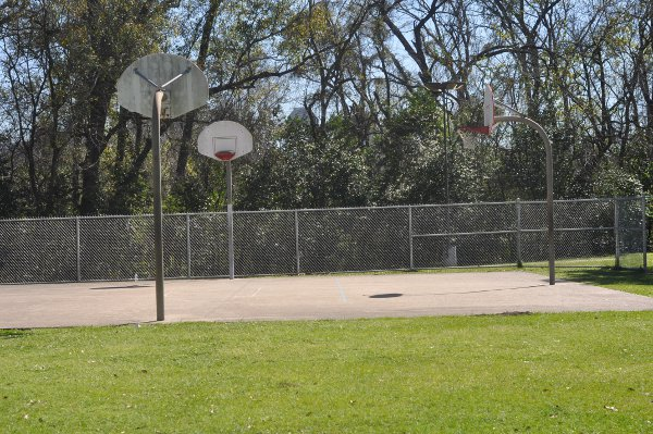 Woodland Park Basketball Courts