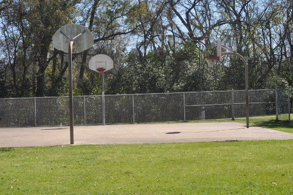 Woodland Park Basketball Courts