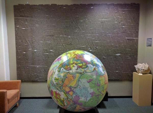 WIH Globe