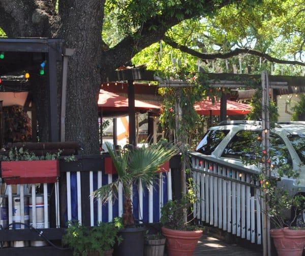 Hobit Cafe Patio