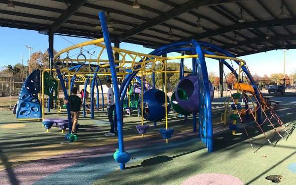 Doss Park Is A 33 Acre With An Activity Building Softball Fields Tennis Courts Pavilions Batting Cages Picnic Tables Barbecue Grills