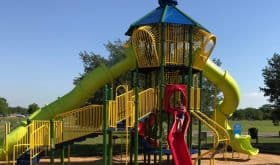 Resoft County Park: 80 acres of playgrounds, pavilions, sports fields, horseshoes, fishing pond, trails & basket disc course!