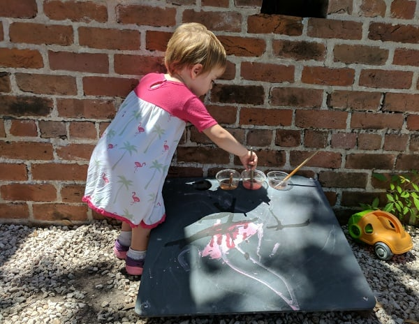 Outdoor Painting at Childrens Museum at Moody Mansion