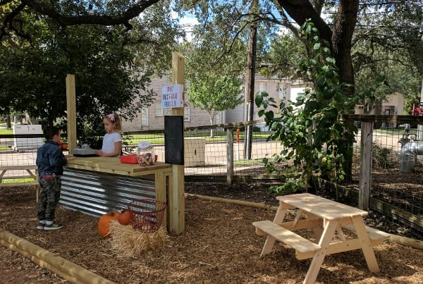Backyard Cafe And Grill Clay Rd - House Backyards