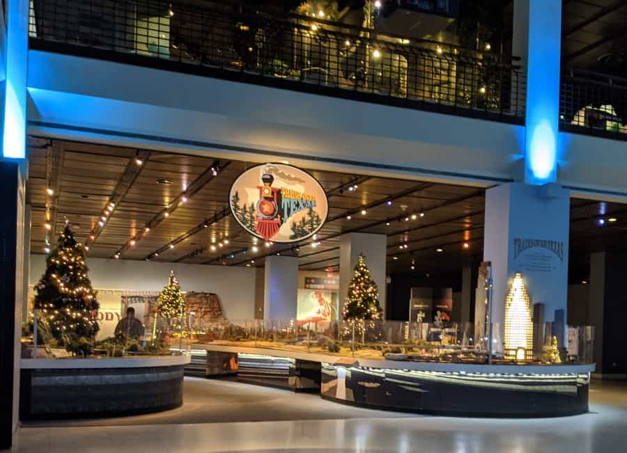 Christmas Trains at HMNS