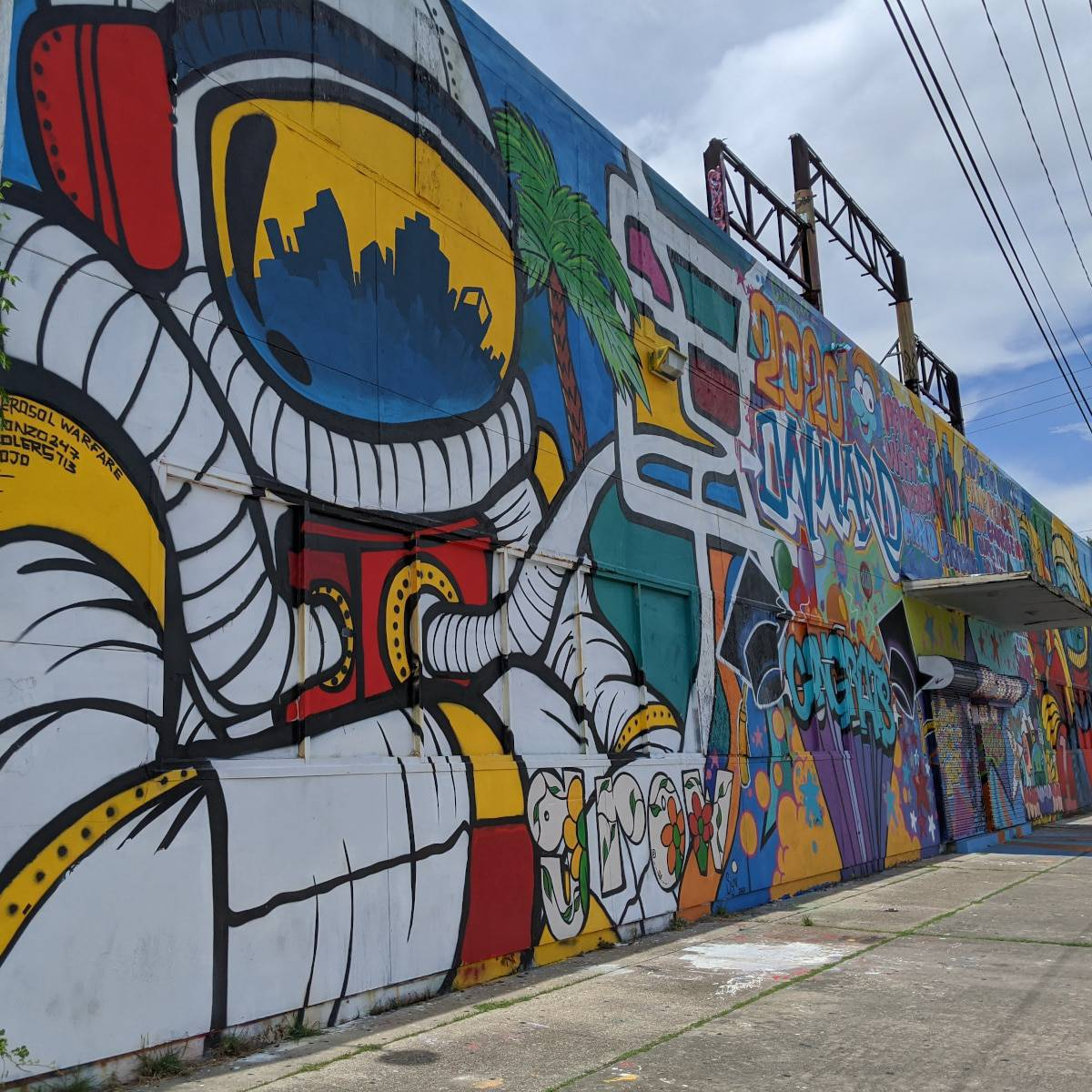 Houston Graffiti Building Astronaut Mural Fun Things to Do in Houston with Kids