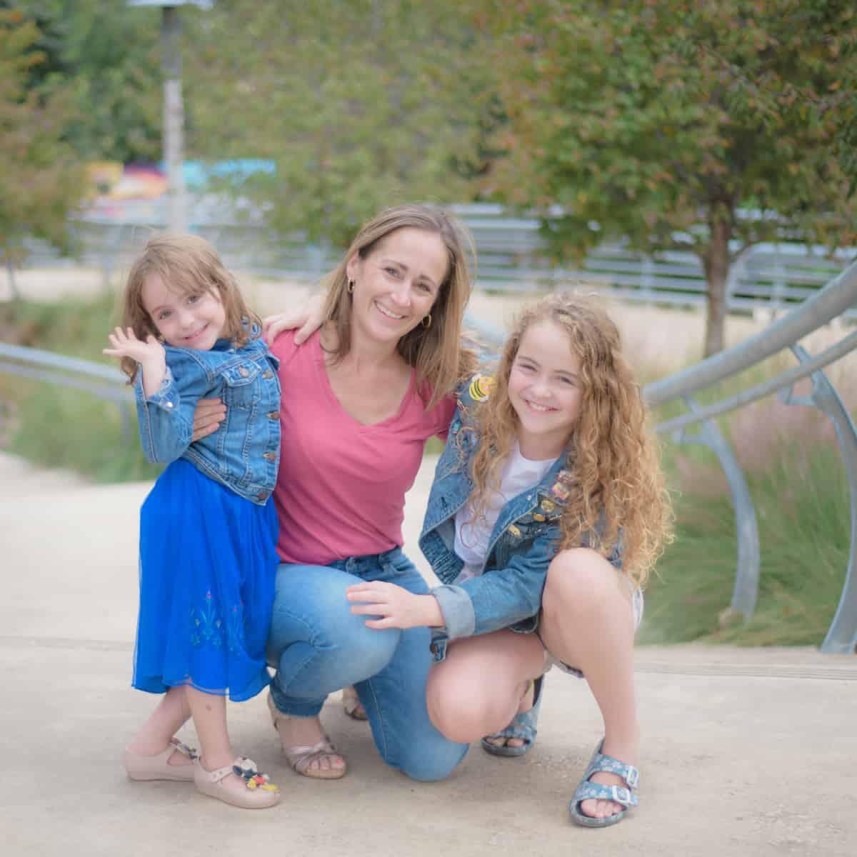 Girl Family Photo from Buffalo Bayou Park