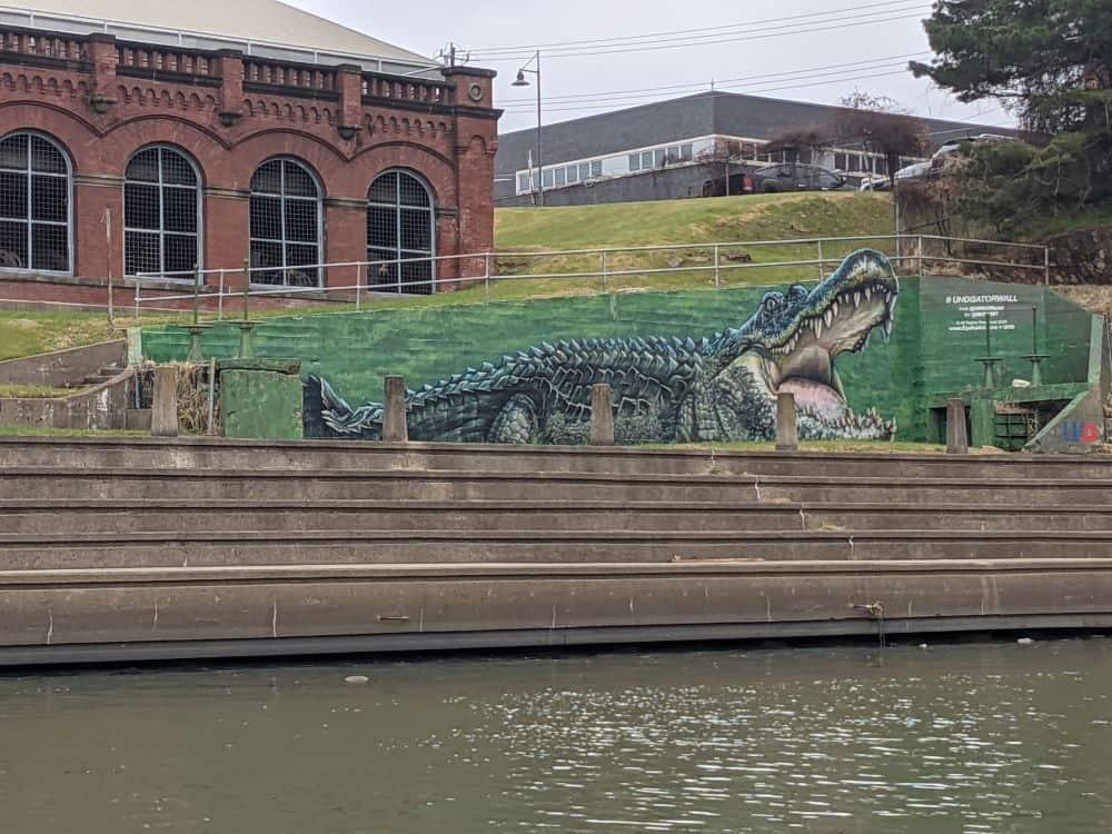 UHD Gator Wall Mural
