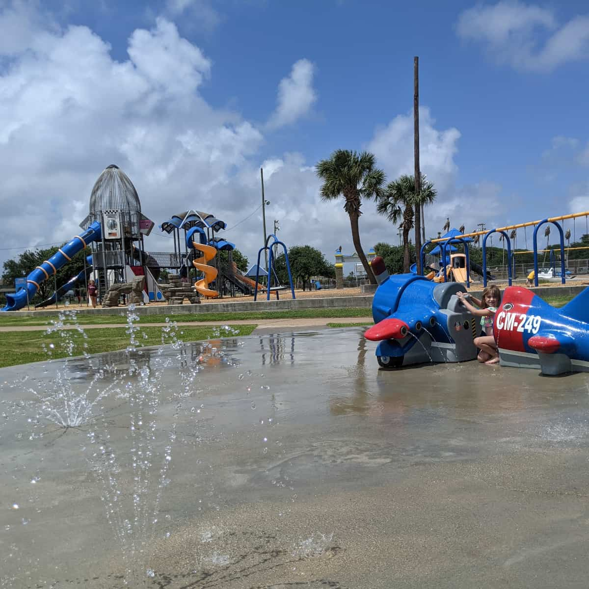 Splashpad and Space Shuttle at Flagship park