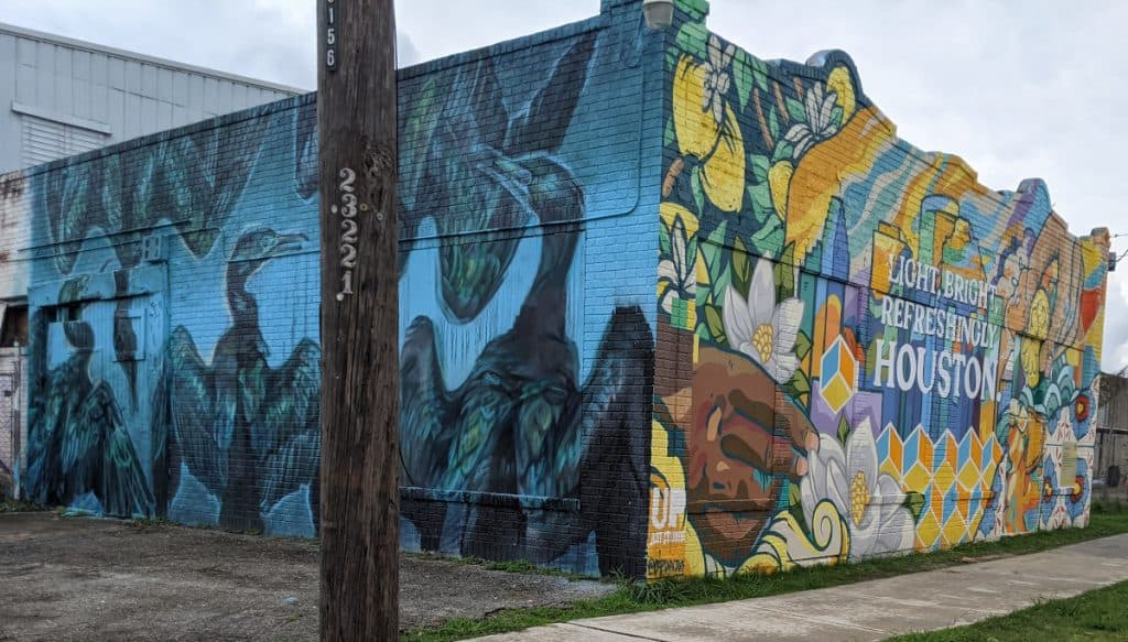 Light Bright Refreshingly Houston Mural from the side