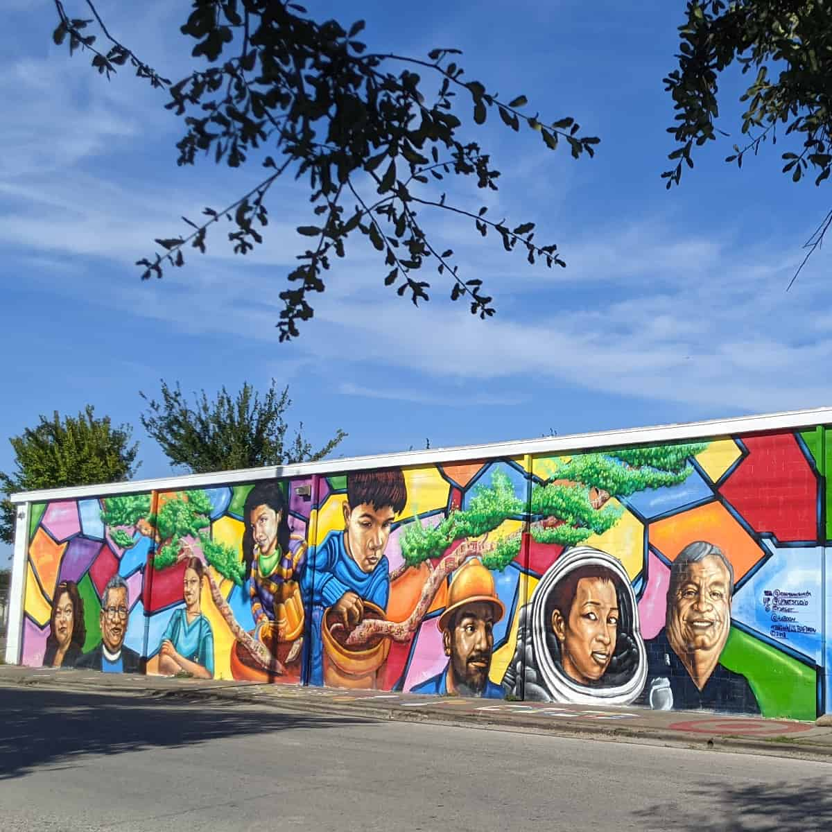 Gulfton Mural at Salvation Army